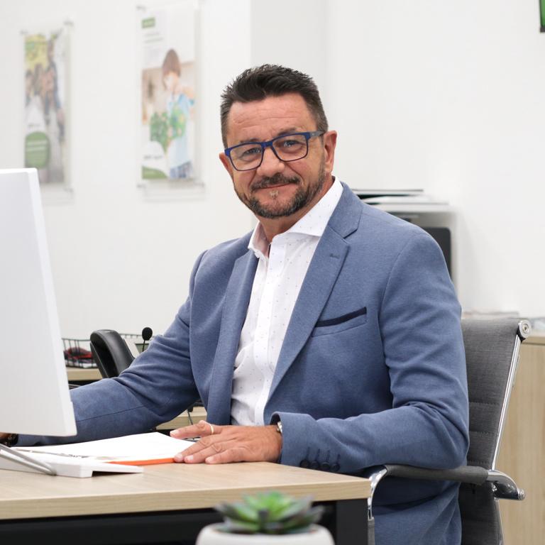 Jose Antonio Sánchez, gestor de asistencia familiar en DKV Seguros Elche
