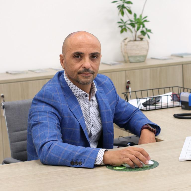 Jose Luis Porcel, asesor comercial en el equipo DKV en Elche