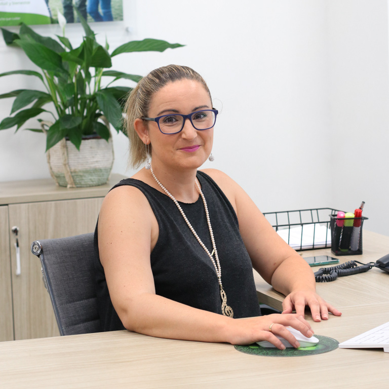 Verónica Gomis, atención al cliente en el equipo de DKV Elche